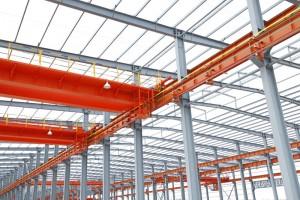 Czy warto stawiać na konstrukcje stalowe?